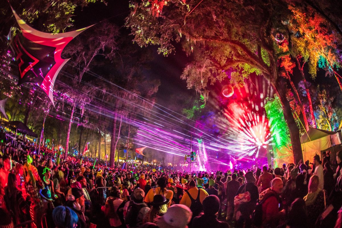 Stream Tipper's entire set from Suwannee Hulaween